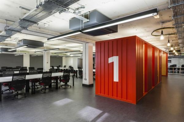 宏海装饰创展工业园办公室装修混搭风格装修效果图