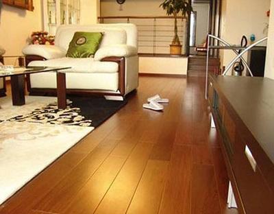 """国庆长""""价""""选购实木地板质量要抓紧"""