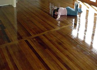 锁扣实木地板有什么优势 适合老人和小孩