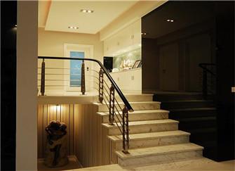南京83平错层新房装修案例 客厅挑高还带楼梯