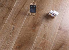 多层实木地板的挑选方法 与其他地板的对比分析