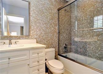 卫生间装修应该选用什么样的瓷砖