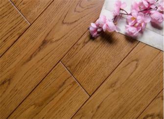 三类常见地板选购攻略 每种地板选购手法不一样