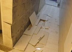 详解影响瓷砖脱落的10大原因  脱落的锅不能只让瓷砖背