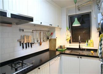厨房橱柜多少钱一米 橱柜材料、五金件和选购猫腻干货知识