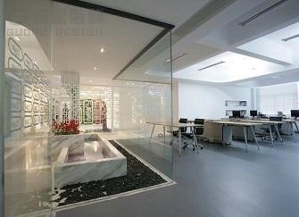 办公室装修用什么隔断比较好 厦门办公室装修隔断多少钱一平