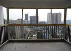 阳台怎么封才不算违建 封阳台怎么施工