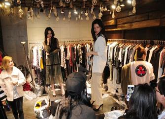 郑州女性服装店装修攻略 女装店怎样装修显高档博眼球