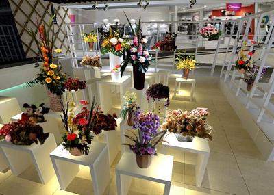 郧阳小型花店商铺装修效果图装修设计案例