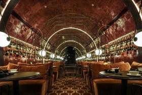 80方古典风格餐厅