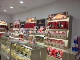 五彩城稻香村专卖店设计施工