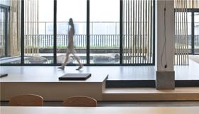 空中瑜伽会所