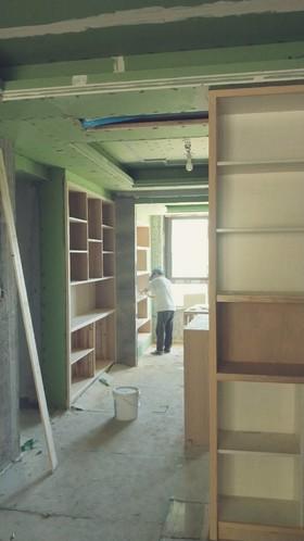 南门春晓5幢1单元302油漆施工中