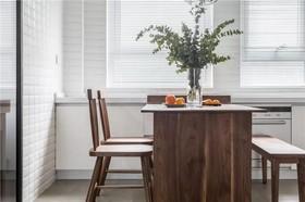 花样年龙年国际 现代三居室147平16.9万装修设计案例