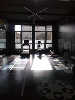 美的城健身房