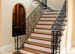 楼梯防潮要当心 保养方式需谨慎