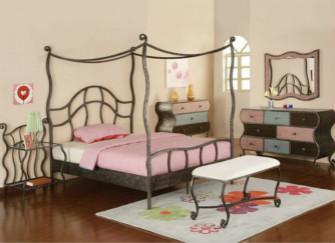 欧式双人铁床:卧室最唯美的搭配