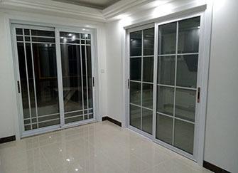 厨房装门好还是不装门好 小户型厨房要不要装门 厨房空间小怎么装门