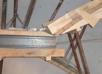 4米承重梁怎么配筋 4米承重梁可以焊接二段嗎