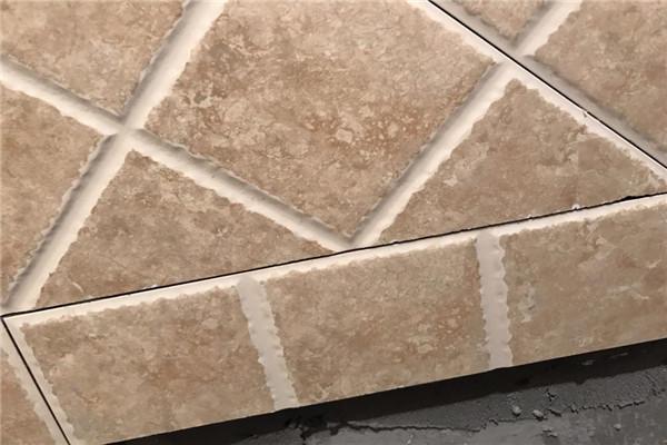 瓷砖边缘绷瓷怎么修复 瓷砖边缘绷瓷什么原因 瓷砖在切割时边缘绷瓷正常吗