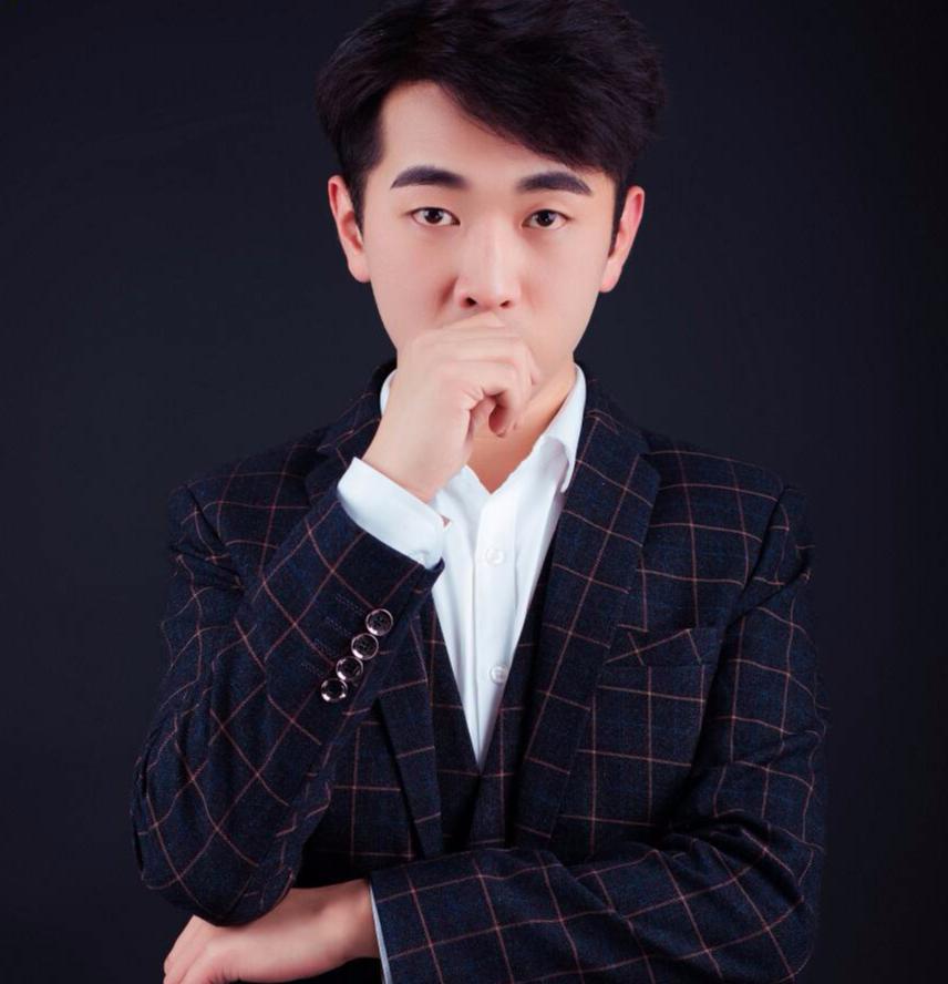 青岛鸿图装饰设计师郭毅