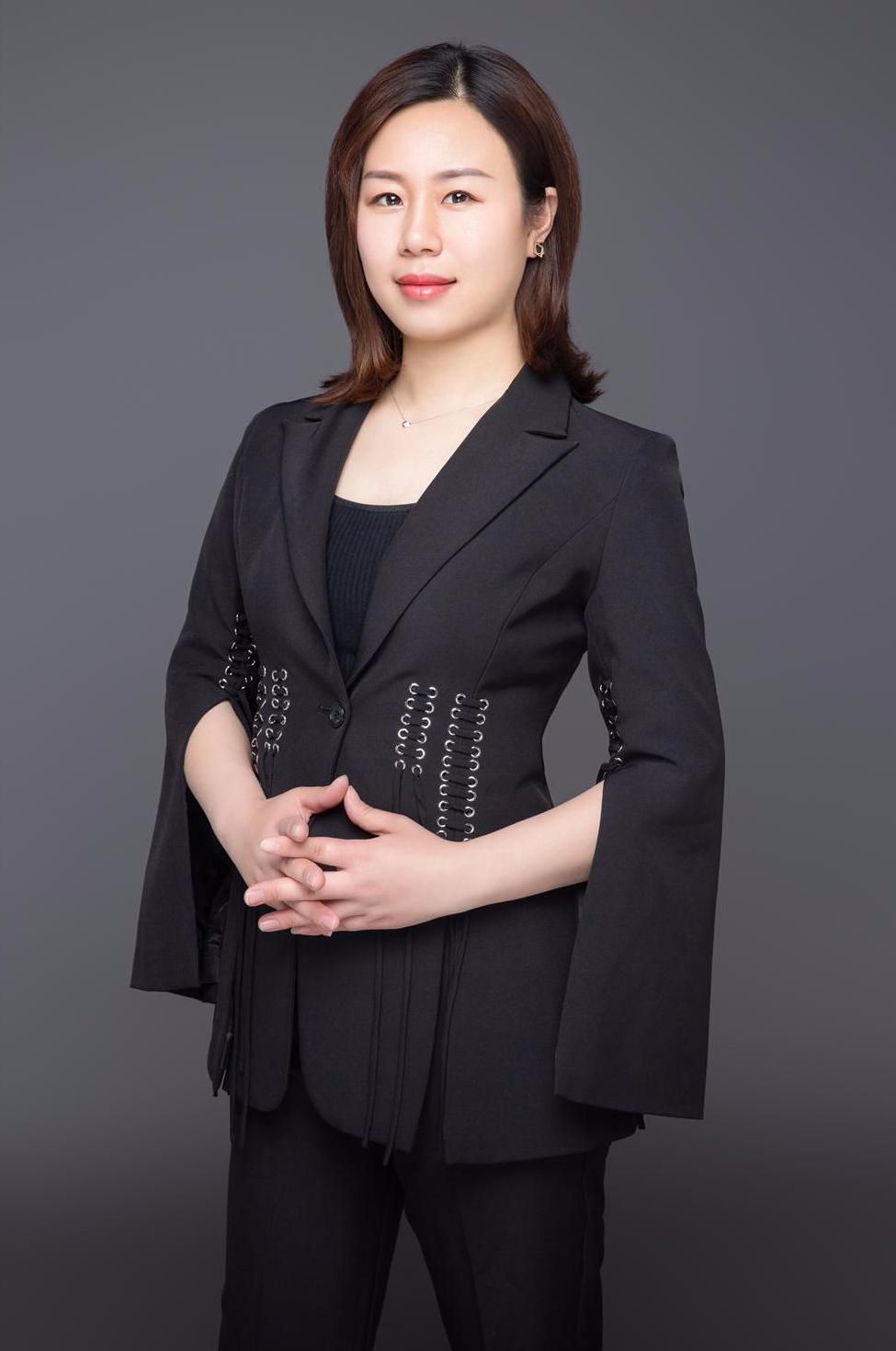 腾辉装饰设计师郑云