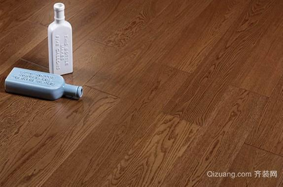 深木色地板