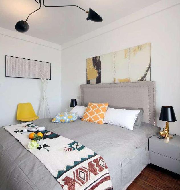 140平现代简约卧室装饰
