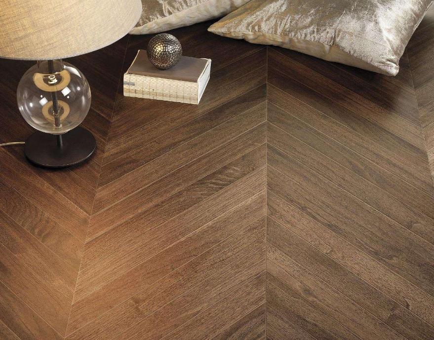 实木地板哪种材质好