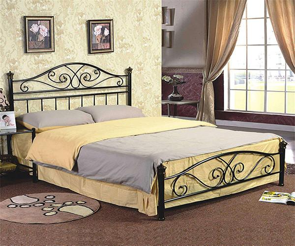 铁艺床和实木床对比