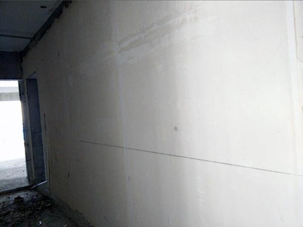 墙面贴砖还要抹灰么