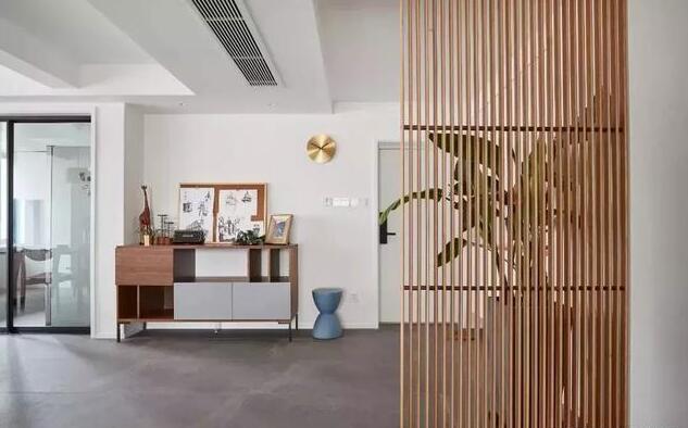 127平米现代简约三居室入户装修