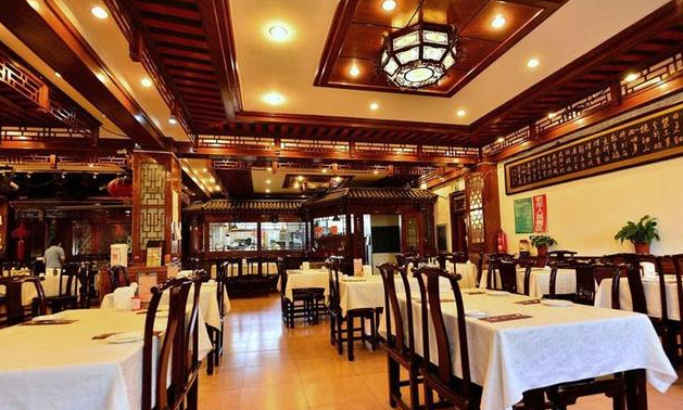 中式酒楼装修风格效果图