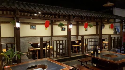 威海火锅店装修设计高端豪华型风格