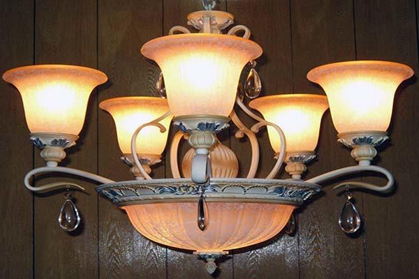 客厅水晶灯一般多少瓦