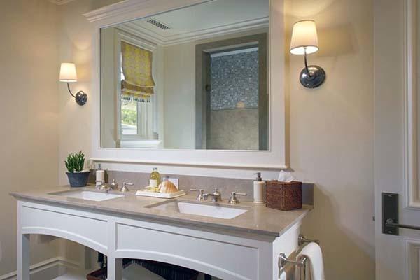 卫生间需不需要安镜前灯 卫生间镜前灯多高