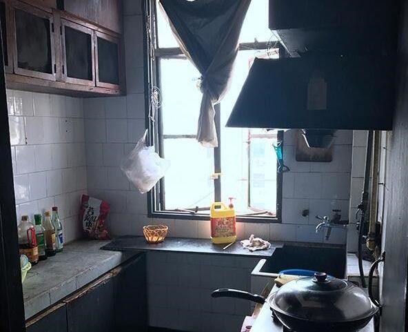厨房改造前