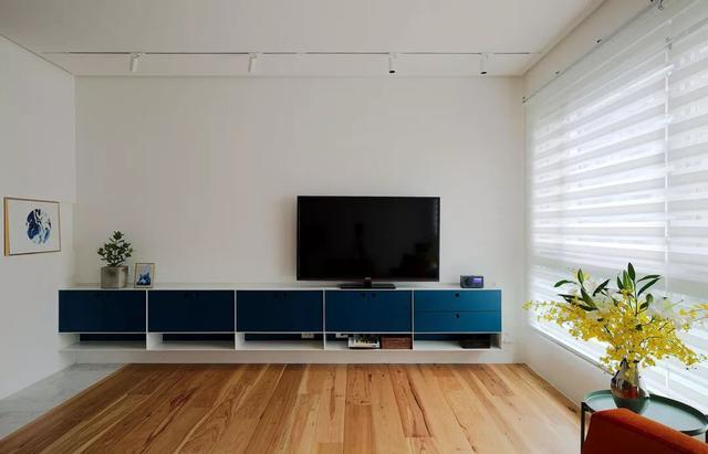现代极简风客厅装修案例