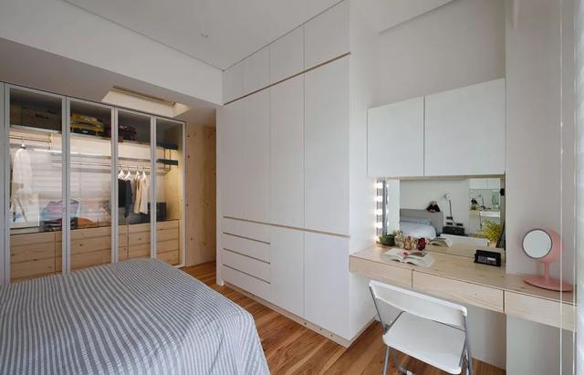 现代极简风卧室装修案例