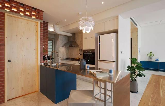 现代极简风餐厅+厨房装修案例