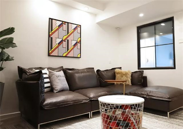 80平米旧房改造2万元翻新客厅效果图