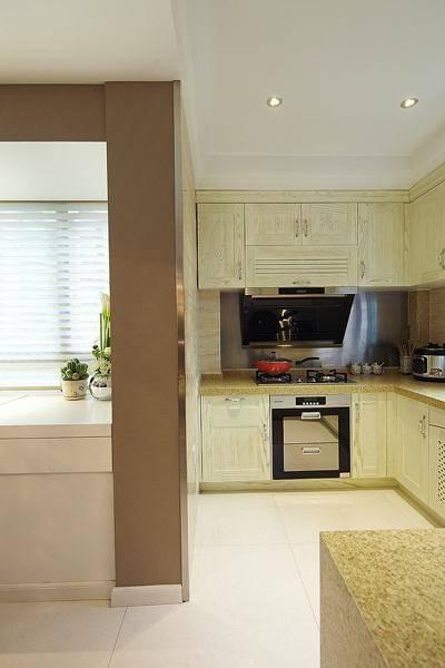 簡約清爽的現代廚房裝修效果圖
