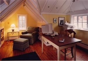 时尚欧式阁楼客厅背景墙装修效果图