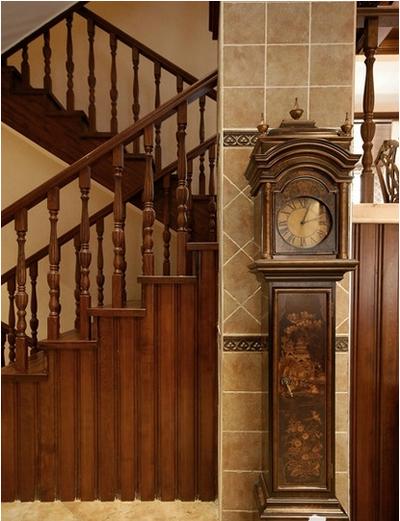 中式閣樓樓梯裝修效果圖