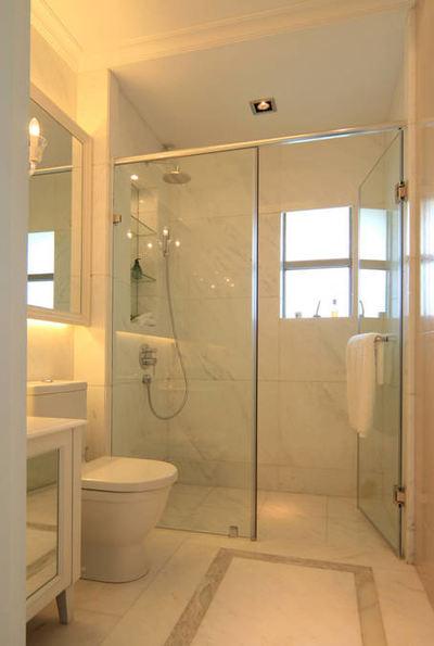 现代简约卫生间玻璃隔断装修图
