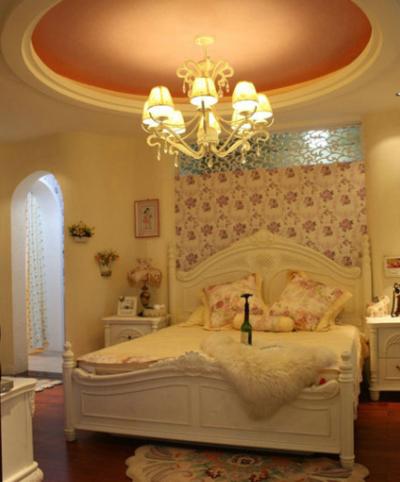 女生超爱的欧式卧室圆形吊顶装修效果图