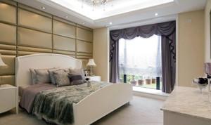 現代簡約躍層式臥室布藝窗簾效果圖