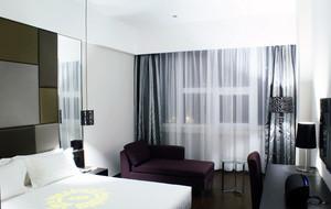 中冷色調低調中的奢華臥室裝修效果圖