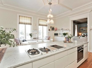 2016别墅欧式厨房橱柜设计装修效果图