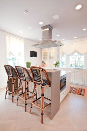 現代田園風格別墅型室內廚房吧臺裝修效果圖